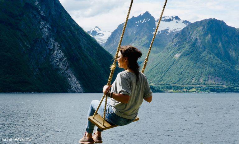 Schaukeln über dem Fjord